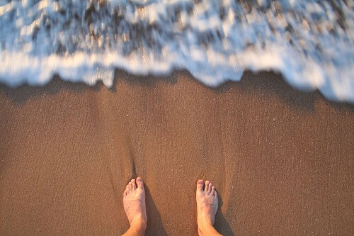 Walking on Sand eases bunion pain